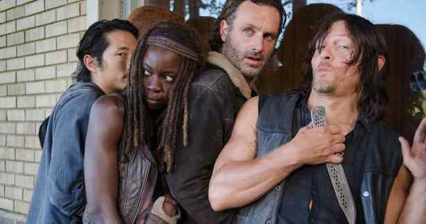 walking-dead-close-up-group.jpg